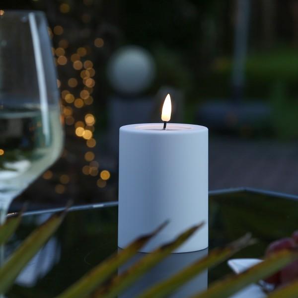 LED Stumpenkerze MIA - Kunststoff - realistische 3D Flamme - H: 10cm - outdoor - pastellblau