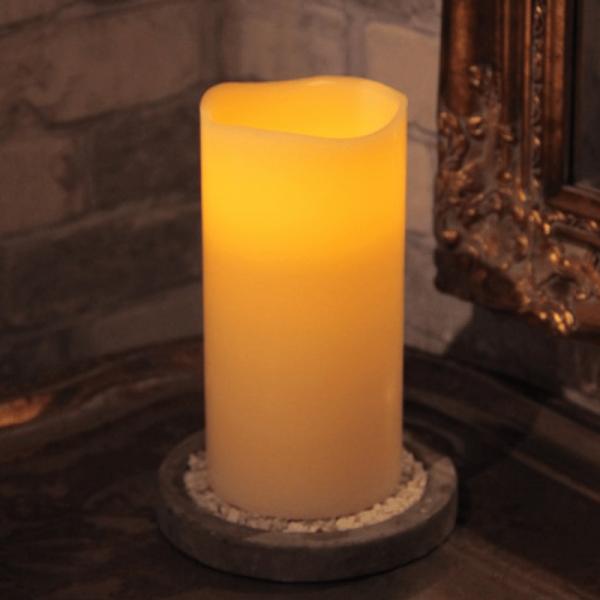 """LED Kerze """"Big"""" - Echtwachs - flackernde gelbe LED - Timer - H: 20cm - creme"""
