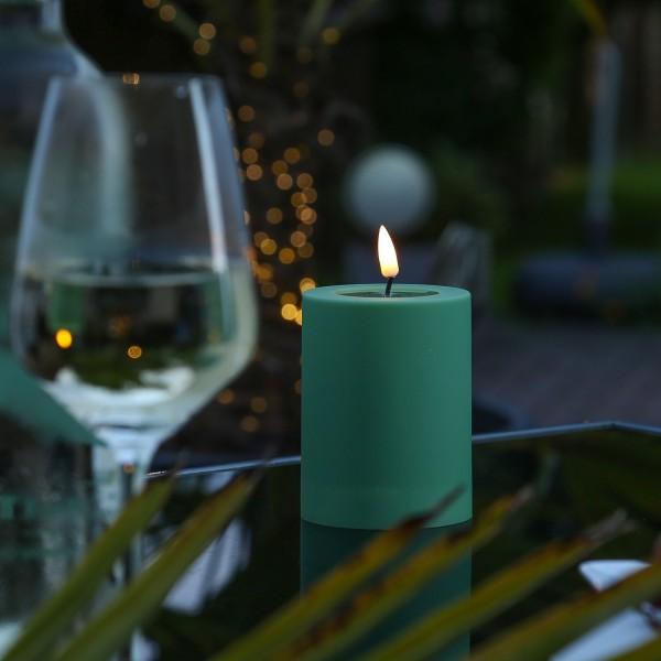LED Stumpenkerze MIA - Kunststoff - realistische 3D Flamme - H: 10cm - outdoor - grün