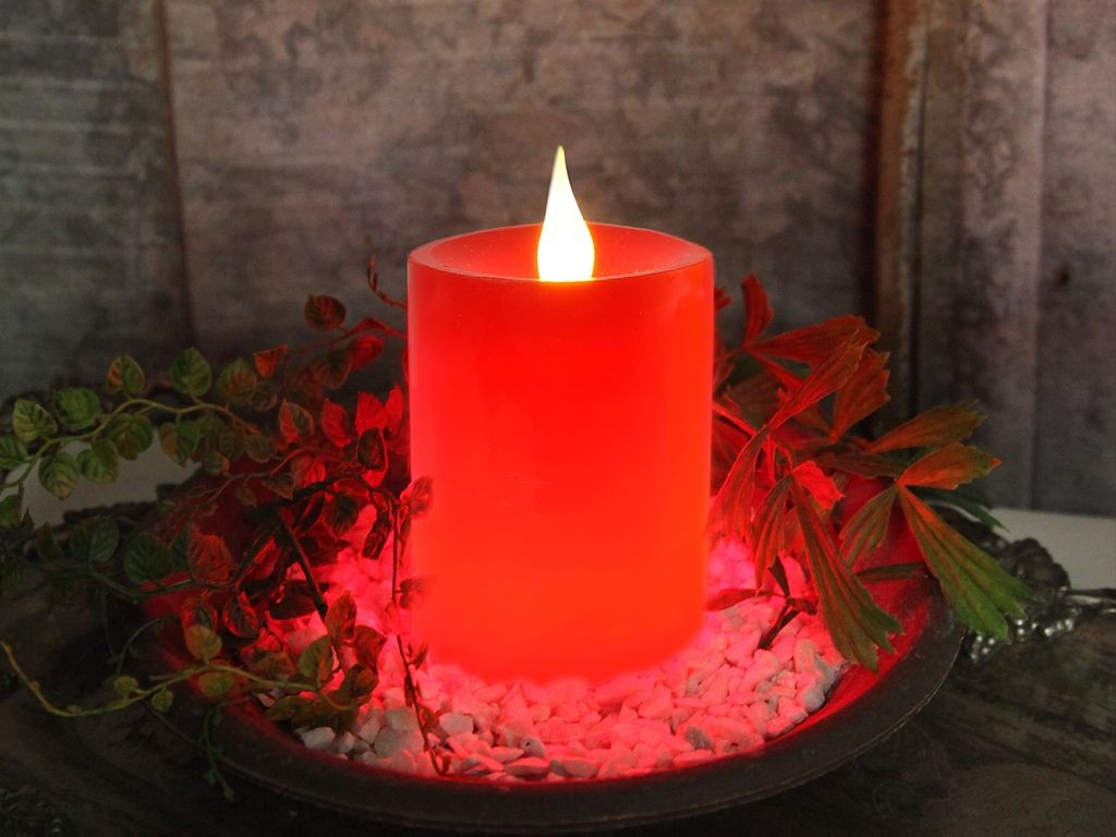 LED Stumpenkerze Flame - Echtwachs - flackernde warmweisse LED - H: 12cm - Timer - rot