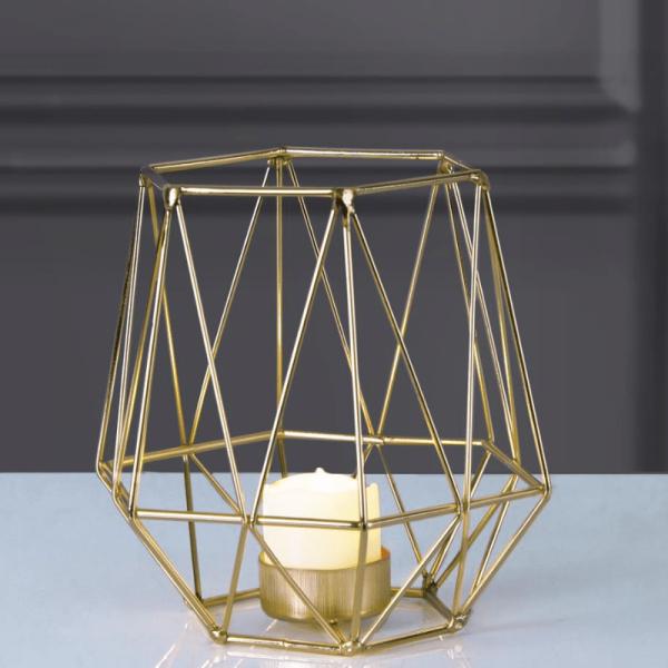 "LED Laterne ""Edge"" - warmweißes Licht - Batterie - Timer - H: 15cm, D: 15cm - inkl. Kerze - gold"