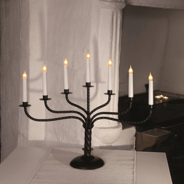 Kerzenleuchter BREDE - 7 Arme - warmweiße Glühlampen - H: 50cm, L: 59cm  - Schalter - Schwarz