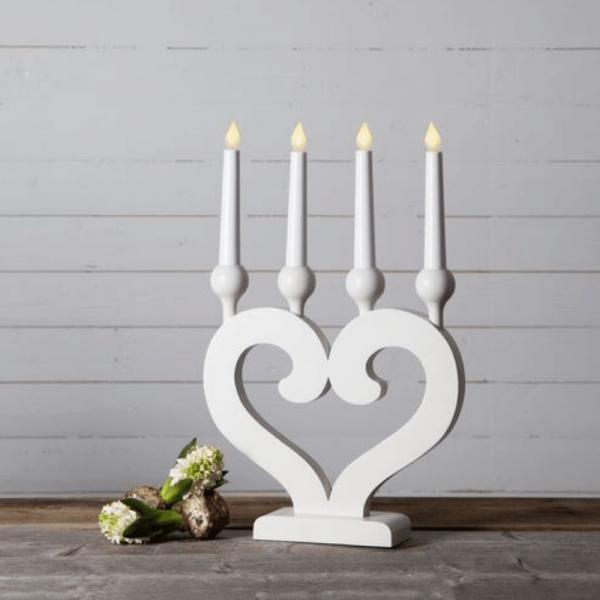 """LED Kerzenleuchter """"Herz"""" - 4 Arme - warmweiße LED - H: 46cm, L: 30cm  - Schalter - weiß"""