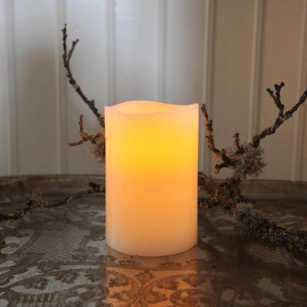 LED-Kerze | Echtwachs | Big | flackernde LED | Timer | Creme | ↑15cm
