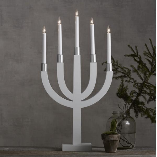 """Kerzenleuchter """"Elias"""" - 5 Arme - warmweiße Glühlampen - H: 67cm, L: 35cm - Schalter - Weiß/Silber"""
