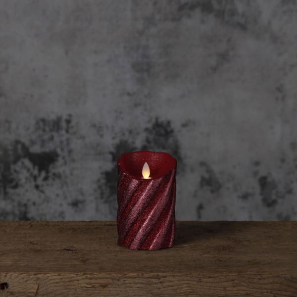 "LED Kerze ""Glim"" - Echtwachs - warmweiße LED - H:13cm D:8cm - Timer - Batteriebetrieb - weinrot"